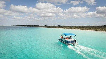 Barco Privado por la Laguna de los 7 Colores